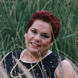Lo que el hombre siembre, eso cosechará - Conferencia de Adriana Corona Gil