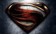 Desarrolla el Logo y un Poster del Hombre de Acero (Superman)