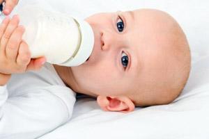 ¿Es recomendable mezclar los diferentes tipos de leche de fórmulas?