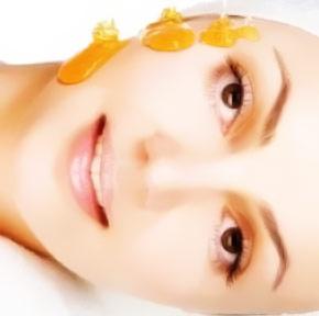 Mascarilla de Miel para Combatir las Espinillas, Limpiar e Hidratar el Rostro